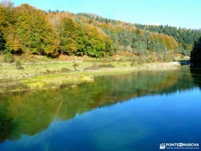 Selva Irati-Pirineo Navarro-Puente del Pilar; iniciacion senderismo madrid ruta cascada del purgator